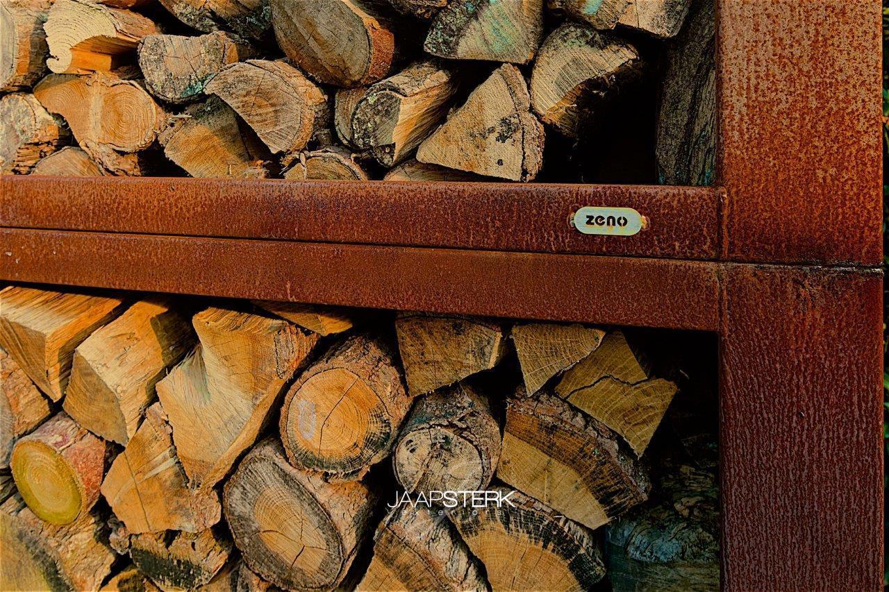 Moderne en strakke tuinarchitectuur houtopslag Zeno